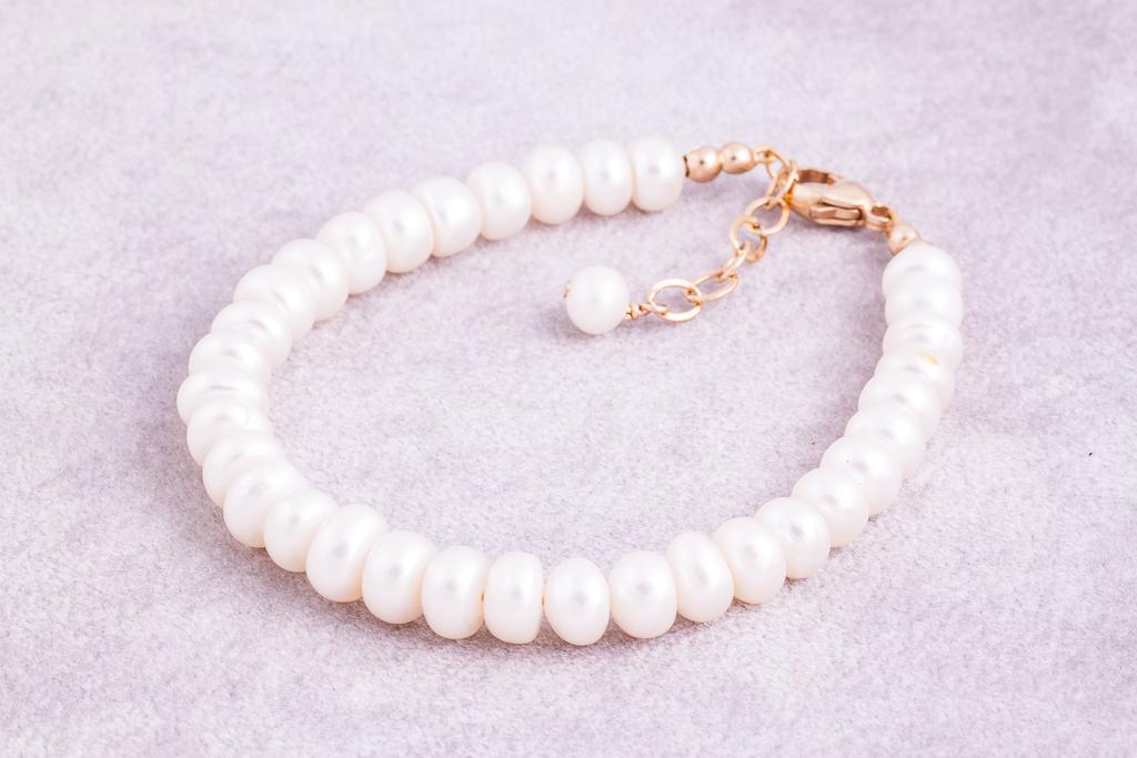 Pērļu rokassprādze
