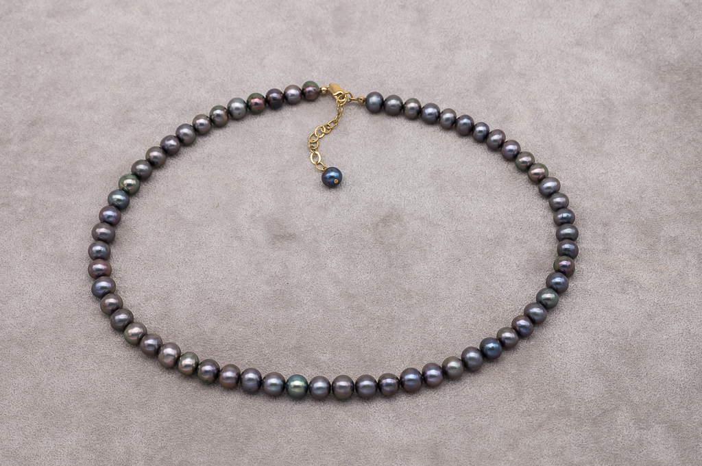 AA pērļu kaklarota