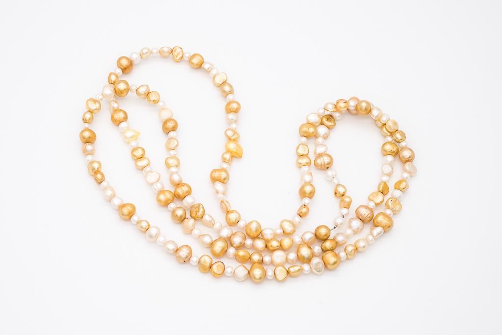 Dzelteni baltās pērles