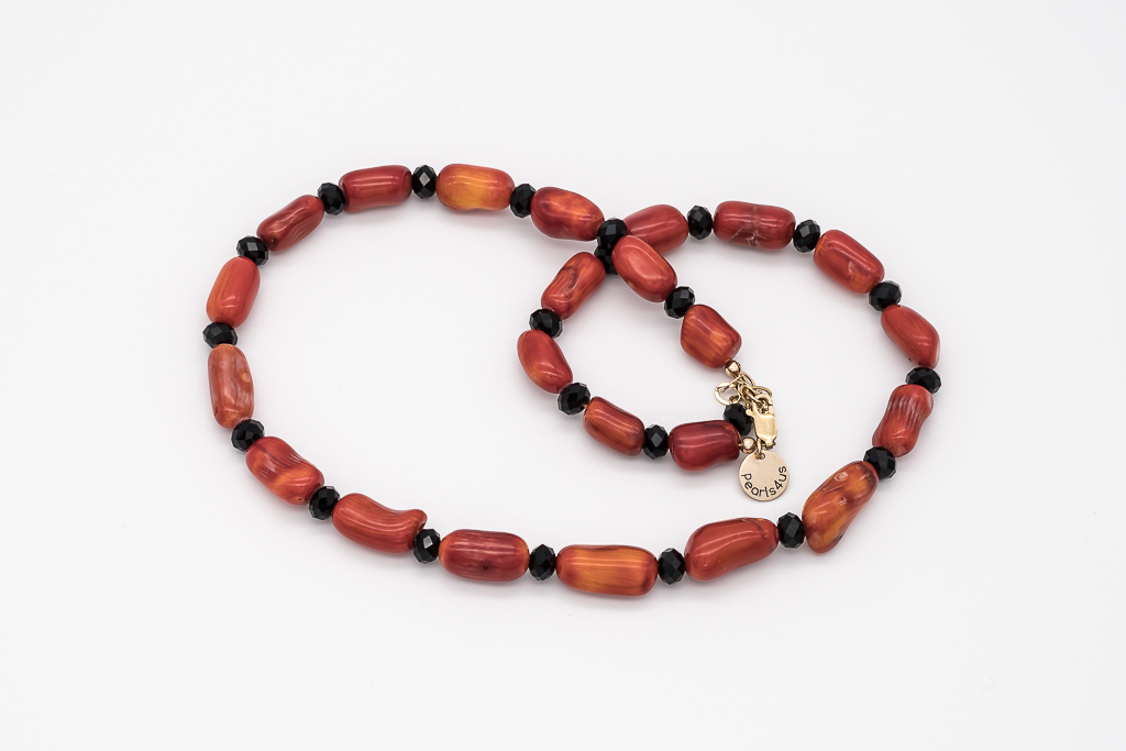 Sarkano koraļļu kaklarota