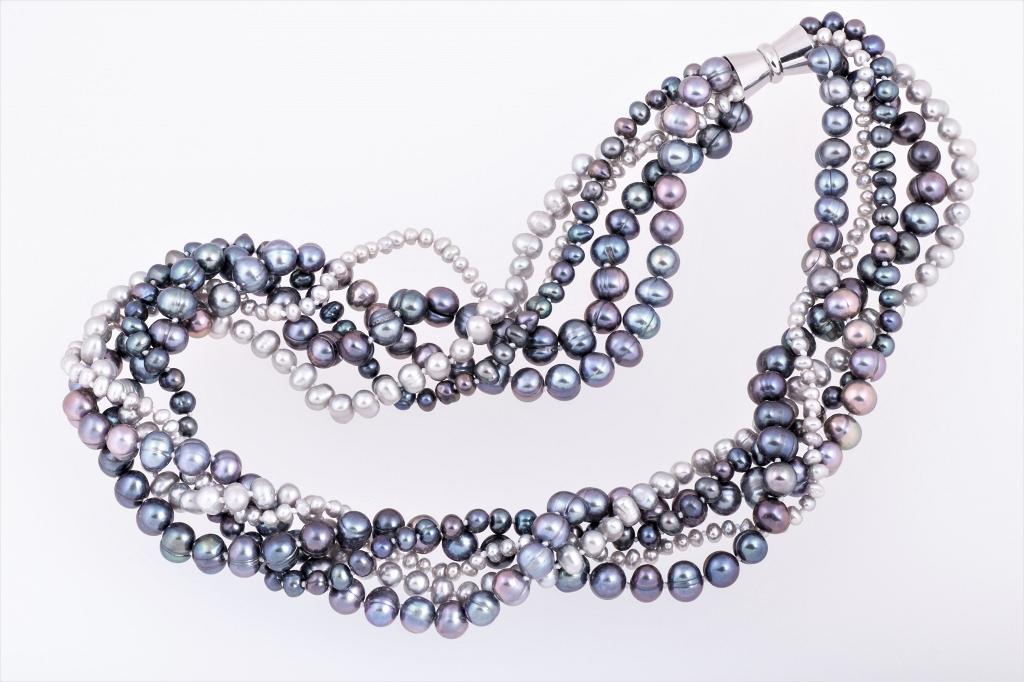 Pelēkās nokrāsas pērles