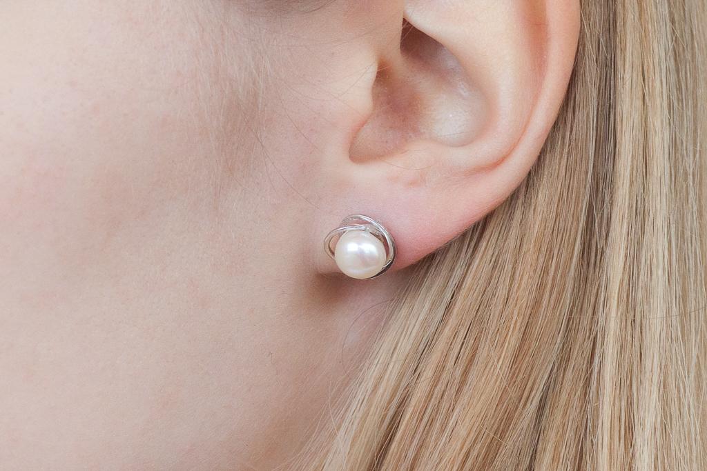 Rozīte ar pērli