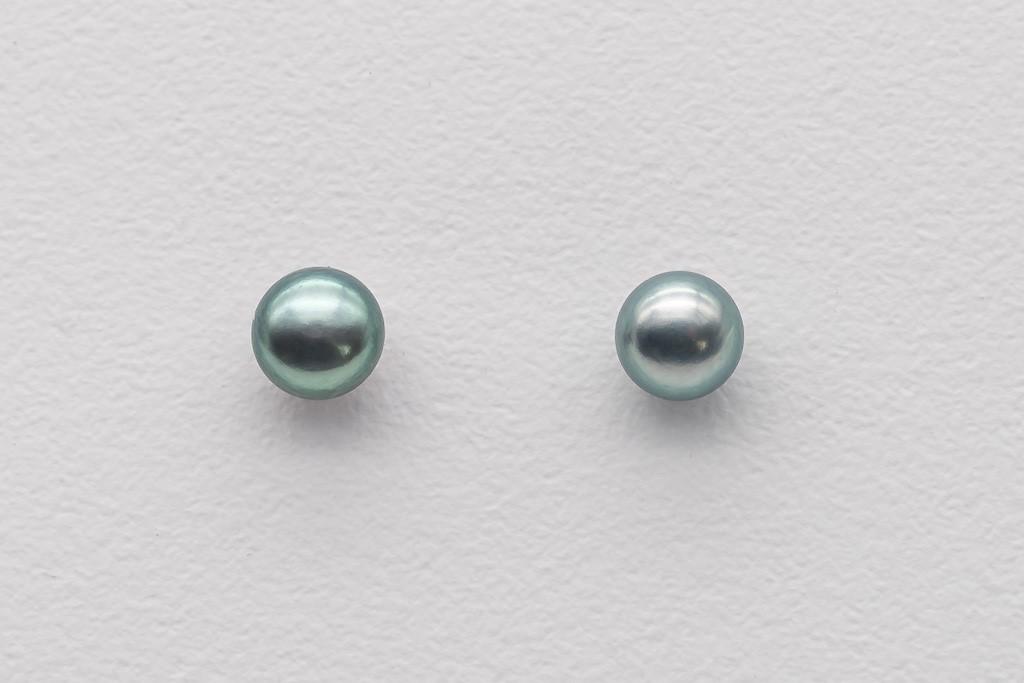 Upes pērles pelēkā krāsā