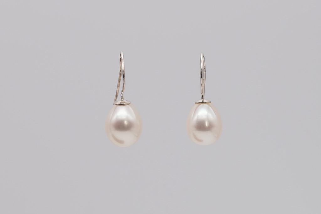 Baltās AAA pērļu lāsītes