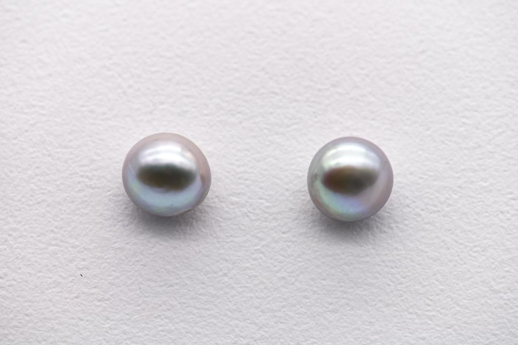 Lavandas toņa upes pērles