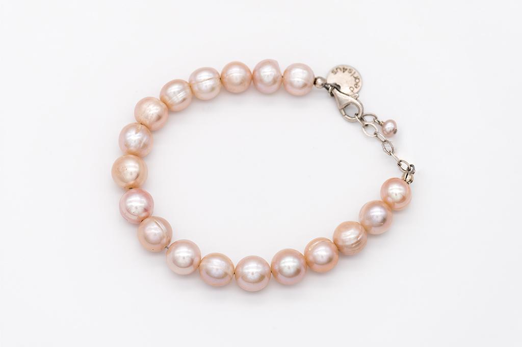 Lavandas toņa pērles