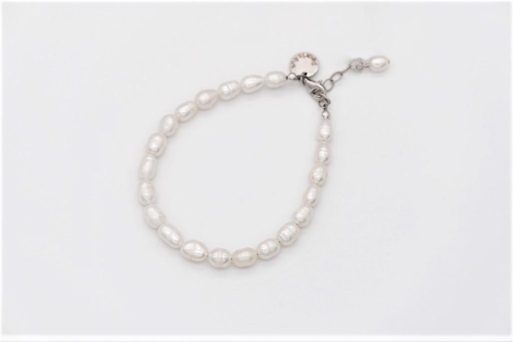 Baltas krāsas rīsu formas saldūdens pērļu rokassprādze