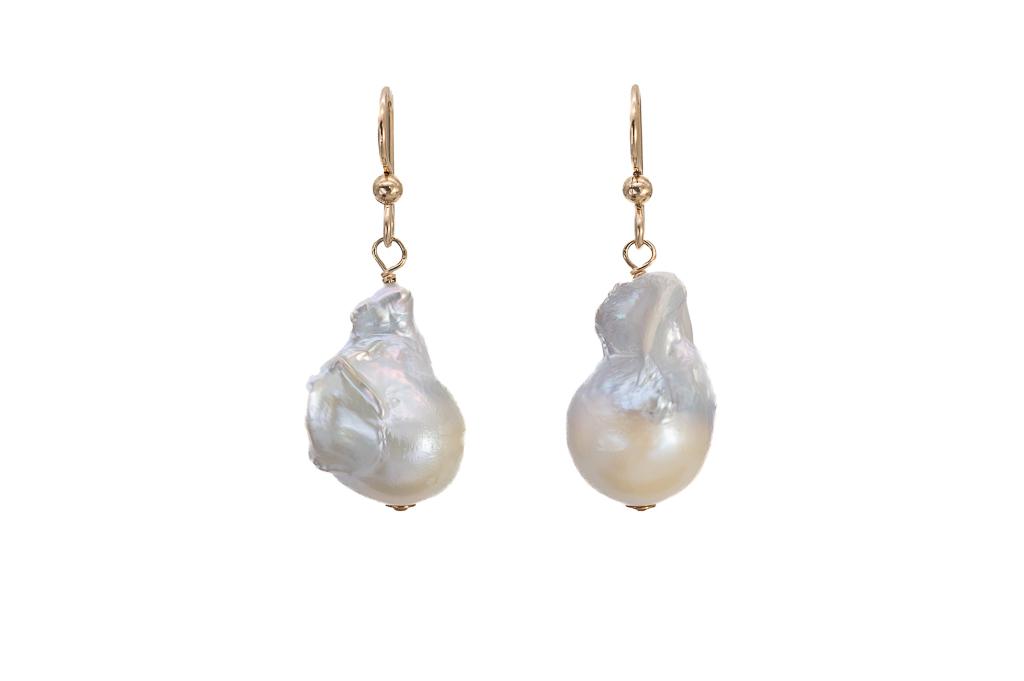 Balto AA kvalitātes pērļu auskaru pāris