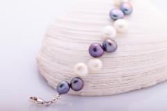 Divkrāsu pērļu rokassprādze