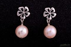 Zeltainās nokrāsas pērles