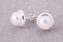 Bezel auskari, pērles