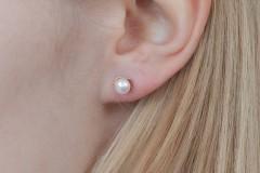Perles ar zelta rozīti