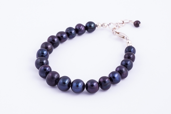 Black 8mm pearl bracelet