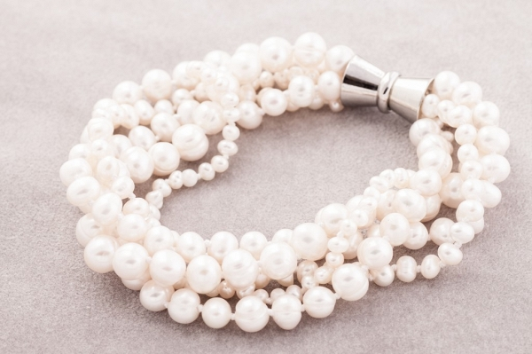White multistrand pearls