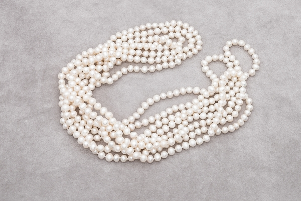 100 colls of pearls