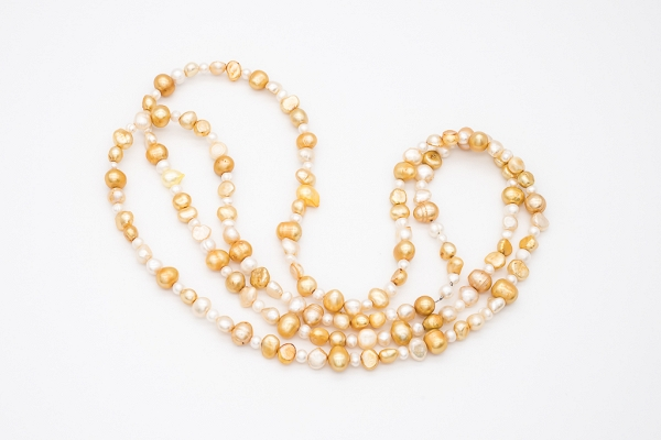 Yellow white pearls