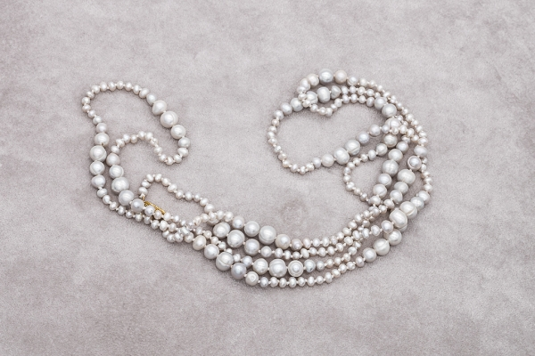 Light grey pearls