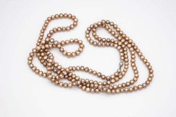 Bronzas krāsas pērles