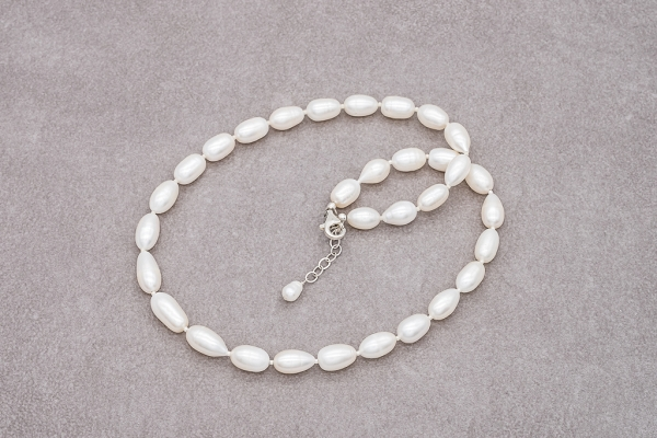 Large rice shape pearls