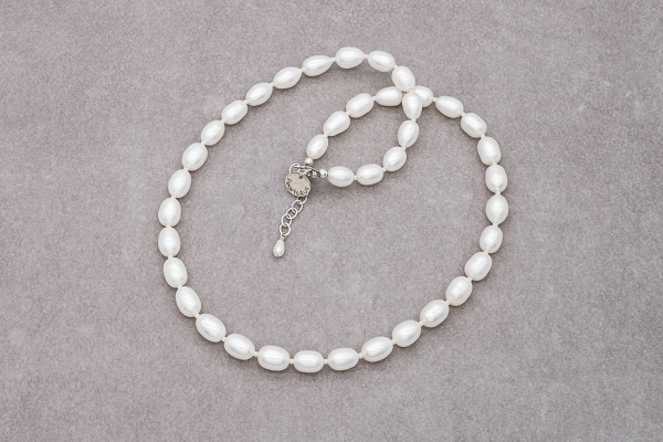 Rice shape pearlnecklace