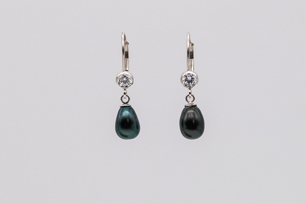 Black pearls, zirconia