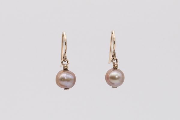 Pērles konjaka krāsā