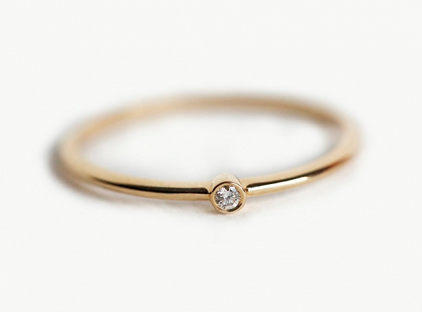 Kольцo c бриллиантом