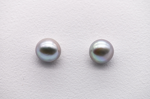 Lavender pearl studs earrings