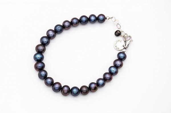 AA pearl bracelet