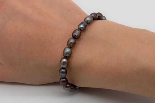 Lavander colour pearl bracelet