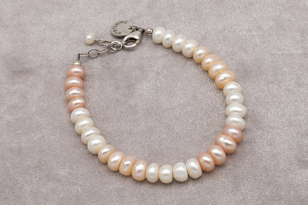 Three colour buttonpearl bracelet