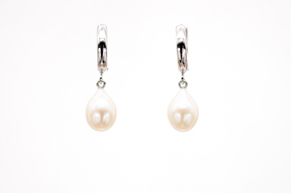 White long pearl earring drops