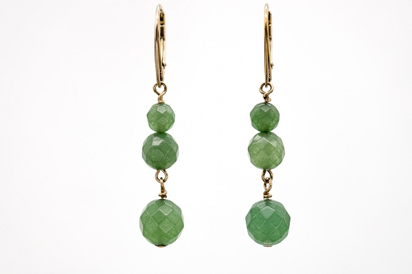 Round nephrite earrings