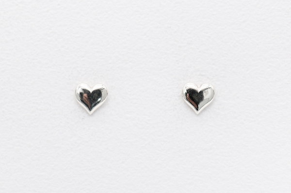 Hearts motive earrings