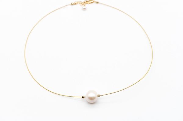Ожерелье с одной огромной жемчужиной